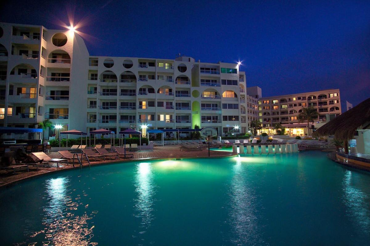 Aquamarina Beach Resort